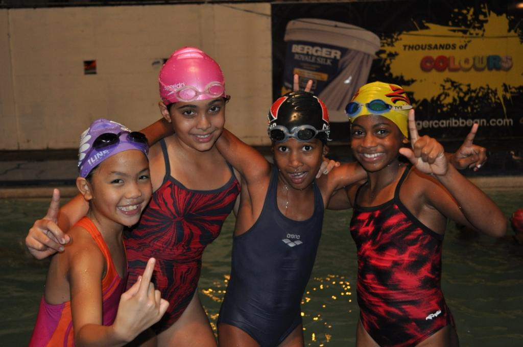 8-under-female-relay-team